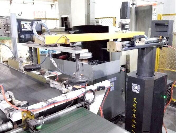 (苏泊尔)锅体车底齐口机械手生产线