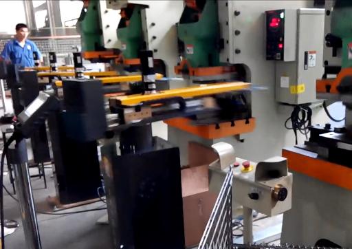 贝克威尔(无锡)烘培器自动生产线